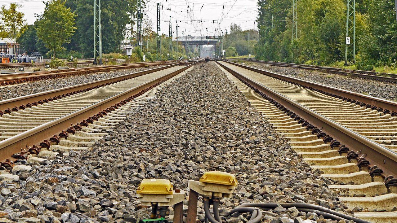 Linha ferroviária, comboio